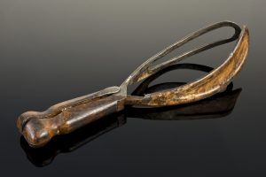Forceps similar to those used by Dr. William Smellie